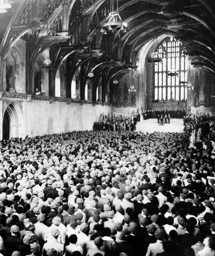 8000 Canadian veterans during a ceremony in Westminster Hall, 1936