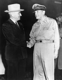Truman und McArthur/Wake-Island 1950 - Truman Meets McArthur, Wake-Island /1950 -