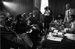 A.Ph.Randolph,C.Robinson u.US-Abgeordnet - A.Ph.Randolph,C.Robinson & US Delegates - Histoire / USA / Problèmes raciaux : - Rencontre entre les l