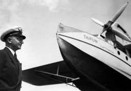 Baron Buddenbrock in front of a Dornier Do J Wal-31 'Typhoon' of Lufthansa, 1937