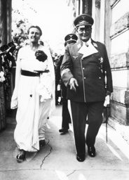 Göring und Winifred Wagner 1936 - Goering and Winifred Wagner /Photo/ 1936 -