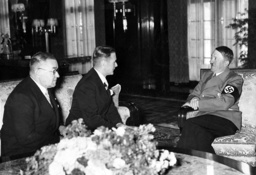 Hitler speaking with the Latvian Foreign Minister Wilhelm Munters