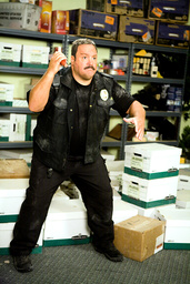 PAUL BLART: MALL COP, Kevin James, 2009. ©Sony Pictures/courtesy Everett Collection