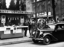 Car guide center in Berlin, 1936