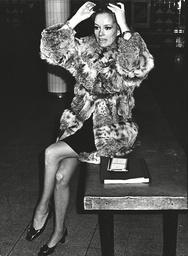 Luciana Paluzzi Italian Actress At London Heathrow Airport. Box 0602 02072015 00315a.jpg.
