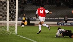 Soccer - UEFA Champions League - Group D - Juventus v Arsenal