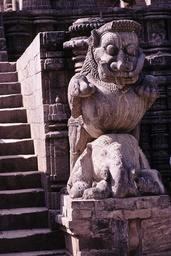 Konarak, Sonnentempel, Tanzhalle, Löwe / Skulptur - - Konarak, temple du Soleil, salle de danse, lion / Sculpture