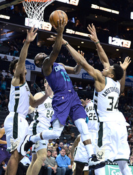 Hornets beat Bucks 110-107