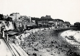 Broadstairs Kent Showing The Beach And Bleak House In The Background Centre Top Made Famous By Charles Dickens.