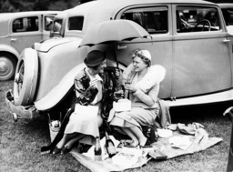 Ladies at a picnic, 1936