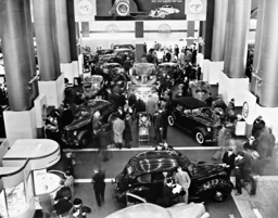Automobile exhibition in New York, 1937