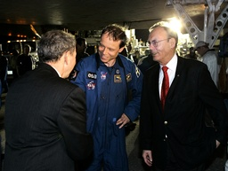Swedish astronaut Fuglesang is greeted by NASA Administrator Griffin after landing at the Kennedy Space Center in Cape Canaveral
