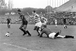 German Soccer League - Season 1963-1964 - Meidericher SV - Eintracht Frankfurt 3-1