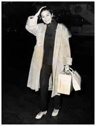 Jean Simmons Actress Pictured At London Airport. Screen Godesses For Katie Lee