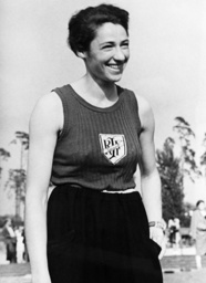 Gretel Bergmann / Foto 1936 - Gretel Bergmann / High Jumper / 1936 - Gretel Bergmann / Saut en hauteur / 1936