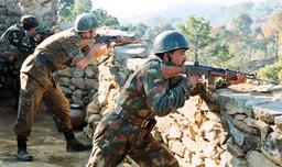 INDIAN SOLDIERS EXCHANGE RETALIATORY FIRE ACROSS THE LINE OF CONTROL IN KERNI