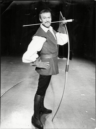 Edward Woodward As Robin Hood In 'babes In The Wood'.