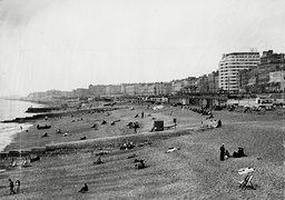 The Beach Looking West Towards Hove In Brighton