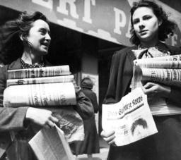 Women with the SS newspaper 'Das Schwarze Korps'