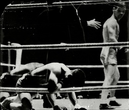Benny Lynch V Peter Kane In Glasgow 1937 - Kane Is Down After Lynch's Knock-out Blows.