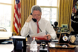 Clinton Phones Yeltsin