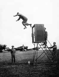 Training at the Parachute School at Stendal, 1938
