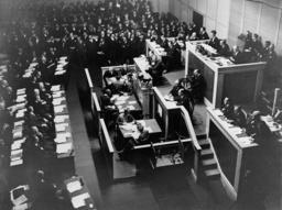 NEDRUSTNINGSKONFERENS I GENEVE 1932