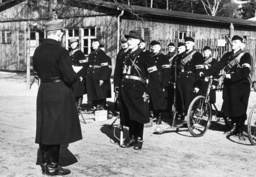Schlacht um Berlin/Volkssturm/Appell... - 'Volkssturm' roll-call / Berlin / 1945 - Bataille de Berlin/ Volkssturm/ Appel...