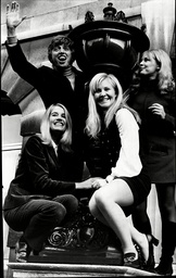 Tommy Steele Julia Lockwood Michelle Dotrice And Morag Wood In A Photocall For The Play The Servant Of Two Masters