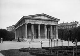 Theseus Temple in the Volksgarten, 1938