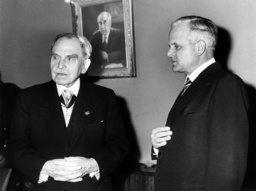 Carl Friedrich von Weizsäcker and Otto Hahn