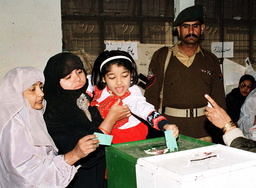 PAKISTANIS GO TO POLLS IN THEIR ELECTIONS FOR PARLIAMENT