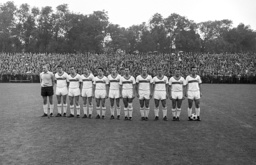 German Soccer League - Season 1963-1964 - Teamphoto - VfB Stuttgart
