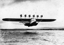 Flugzeug Do-X bei Probeflug 1930 - -