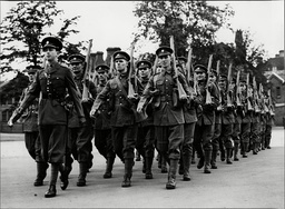Coldstream Guards Reservists Leaving Chelsea Barracks - 1939