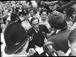 Jeremy Thorpe Is Mobbed By The Press After Being Found Not Guilty At The Old Bailey Thorpe Was Put On Trial At Number One Court At The Old Bailey On 8 May 1979 A Week After Losing His Seat. He Was Charged With Attempted Murder And Conspiracy To Murde