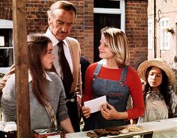 CANDLESHOE, Veronica Quilligan, David Niven, Jodie Foster, Sarah Tamakuni, 1977