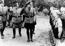 Ley in den AH-Schule Wartha-Schlesien - Ley at Adolf Hitler School / Silesia -