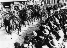 Einmarsch ins Rheinland 7.3.1936 - Entering the Rhineland, 7.3.1936 - Entrée en Rhénanie, 7.3.1936