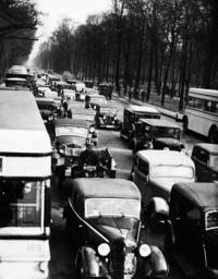 Street traffic on Charlottenburg Chaussee, 1936