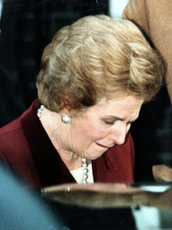 Margaret Thatcher Leaving Downing St As She Resigns. Former Prime Minister Margaret Thatcher Leaves Number 10 Downing Street For The Last Time After She Was Defeated By John Major In The Conservative Party Leadership Election Of 1990. 30/11/1990