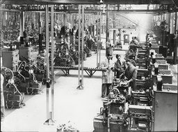 Workers At Austin Motors Factory Longbridge Birmingham 1934.