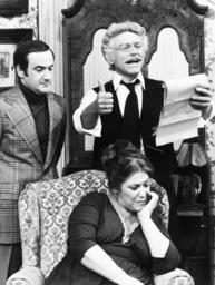THE MONTEFUSCOS, standing from left: Ron Carey, Joe Sirola, sitting: Naomi Stevens, in 'Behind Papa'