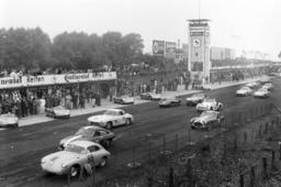 1000 km Rennen auf dem Nürburgring am 22 05 1960 Startaufstellung *** 1000 km race on the Nürburgri