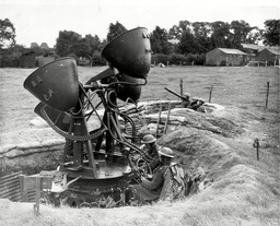 War-britain-army Home Defence Searchlights Men Of A Searchlight Unit In The Northwestern Fefence Area Keeping Up To Concert Pitch With Daily Training In Readiness For The German Attempt. They Get Plenty Of Practice On The Sound Locator From Passing E