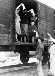 Deportation of Russian forced laborers, 1943