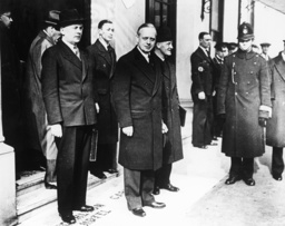 Ribbentrop in London/Völkerbundrat/ 1936 - Ribbentrop / League of Nations / 1936 -