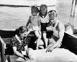 Family on a circumnavigation, 1938
