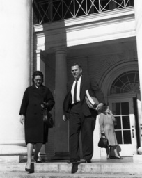 Barbara Powers, Robert Green