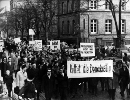 Students from Bonn demonstrate